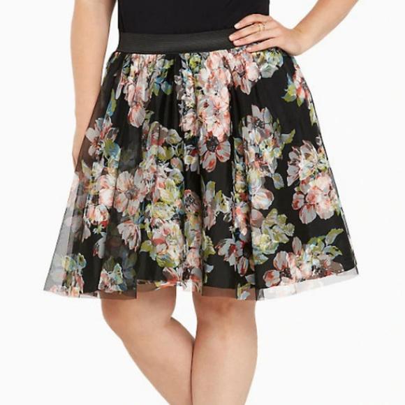 a6933e7e4ecf2 Torrid Tulle Floral Mini Skirt. M 5c3a7966c89e1dd2f2251286